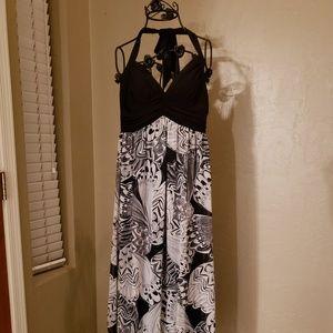 Studio Y Long Halter Dress Black & White Design, S